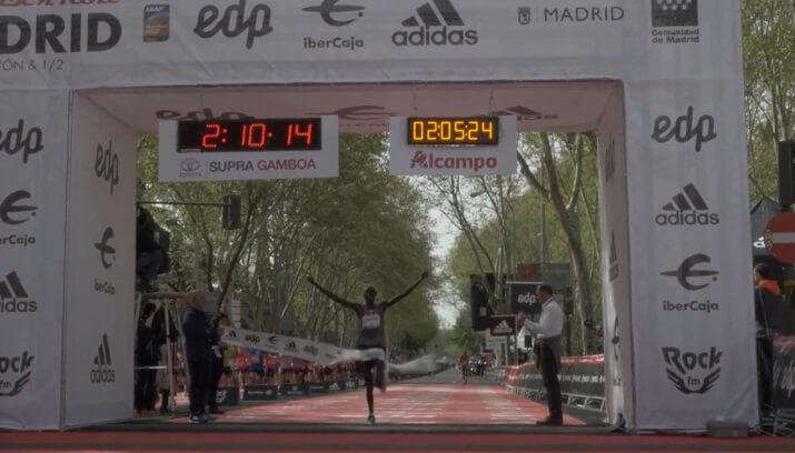 ganador maratón de Madrid 2018 (meta)
