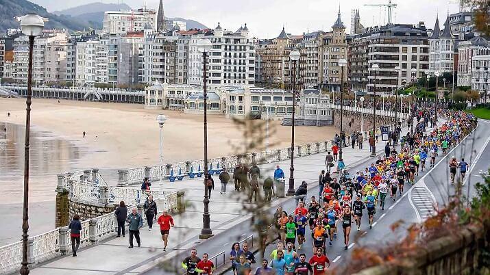 corredores en el maratón de san sebastián