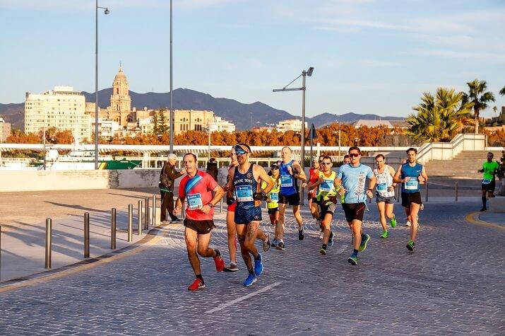 corredores en el maratón de Malaga