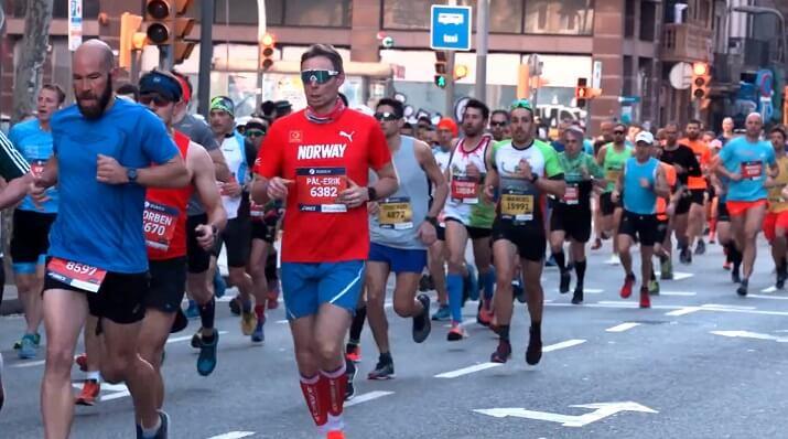 corredores en el maratón de Barcelona