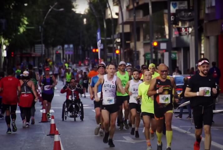 corredores en el maratón de Murcia