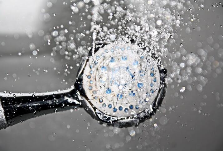 ducha de agua