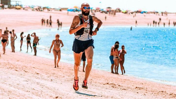 running con mochila de hidratación