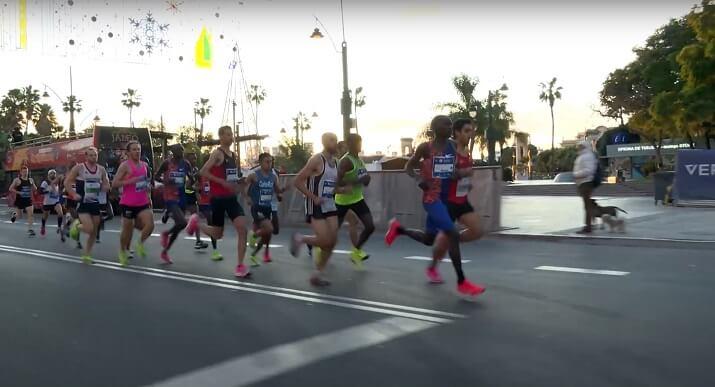 corredores en la maratón de Málaga