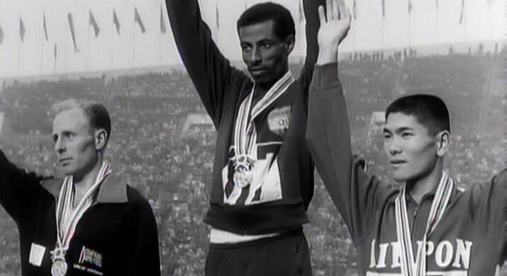 Bikila podio maratón tokio 1964